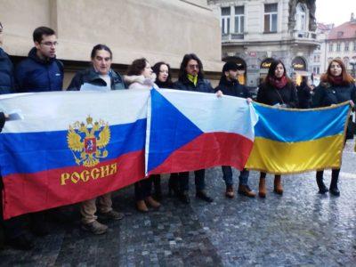 Písničky z České republiky, Ruska a Ukrajiny zněly Staroměstským náměstím