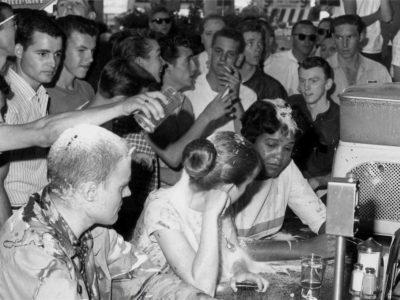 Joan Trumpauer Mulholland - protest v bare