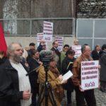 Foto ze shromáždění na vyjádření solidarity s komunisty, levicovými aktivisty a antifašisty na Ukrajině před ukrajinským velvyslanectvím - 11. dubna 2016
