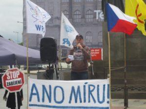 Demonstrace proti NATO, Praha 20. květen 2017. Projev Nikoly Čecha