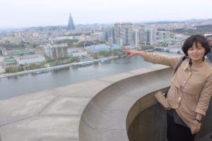 Pohled z věže čučche na Pchjongjang, neustále se rozvíjející moderní velkoměsto